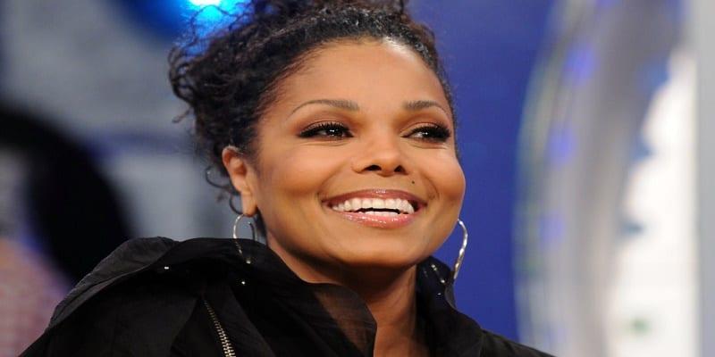 Photo de USA: Janet Jackson dévoile le visage de son bébé…photo