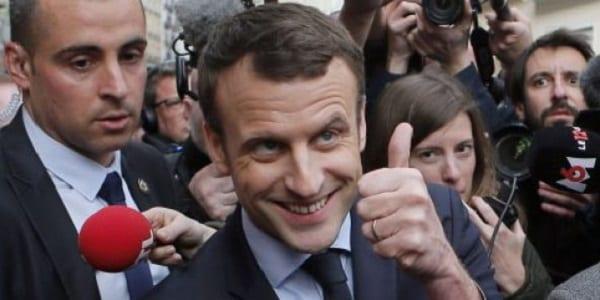 Photo de Des marches organisées en Afrique pour soutenir Emmanuel Macron