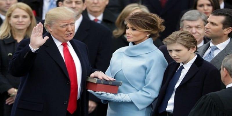 Photo de Melania Trump s'explique après avoir liké un tweet qui dénigrait son mari