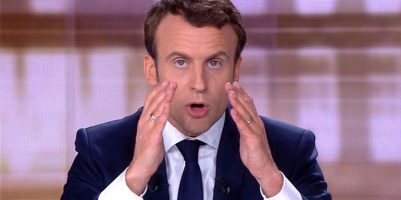 Photo de Voilà pourquoi Emmanuel Macron porte une alliance à chaque annulaire