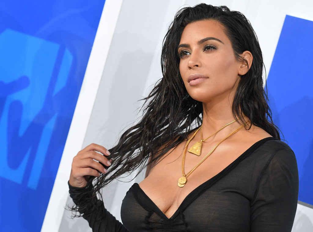 Photo de Photo: Kim Kardashian perd 100 000 fans en quelques jours…La raison