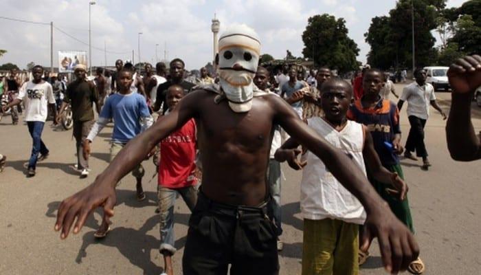 Photo de Abidjan: des microbes attaquent un lycée. Plusieurs blessés…