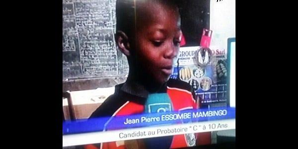 Photo de Cameroun: Agé de 10 ans, ce petit garçon compose l'examen probatoire. Découvrez son parcours spectaculaire