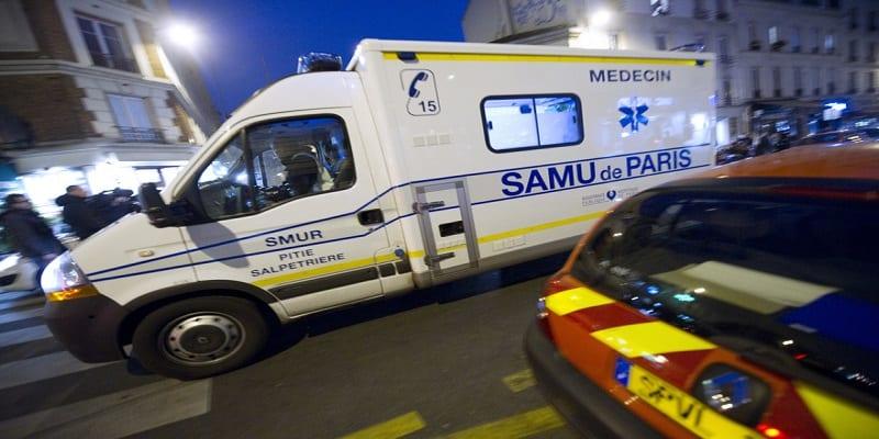 Photo de France: Il vole un véhicule du Samu et finit sa course dans un arbre