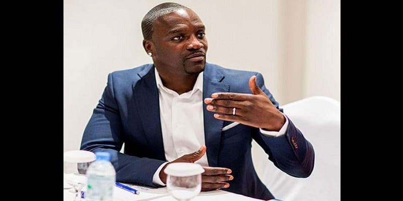 Photo de Showbiz: Akon frappe un grand coup au Sénégal