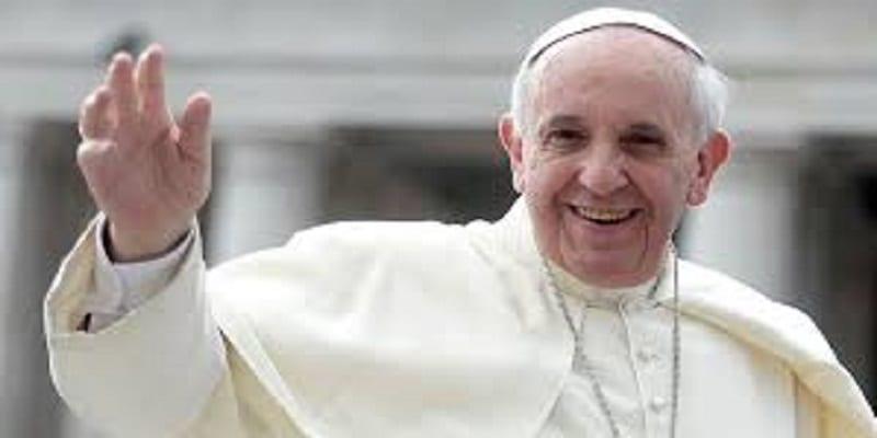 Photo de Vatican: le Pape interdit à ses visiteurs de se plaindre.