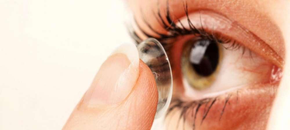 Photo de Royaume-Uni: une femme vivait avec 27 lentilles coincées dans les yeux