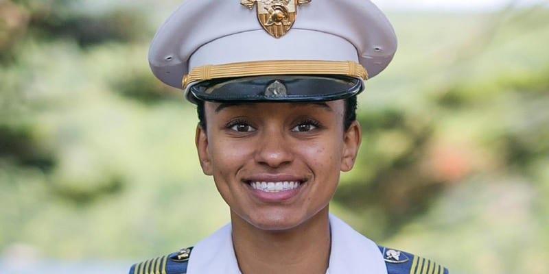 Photo de Découvrez l'Afro-américaine de 23 ans qui fait l'histoire de l'Académie militaire américaine (photos)