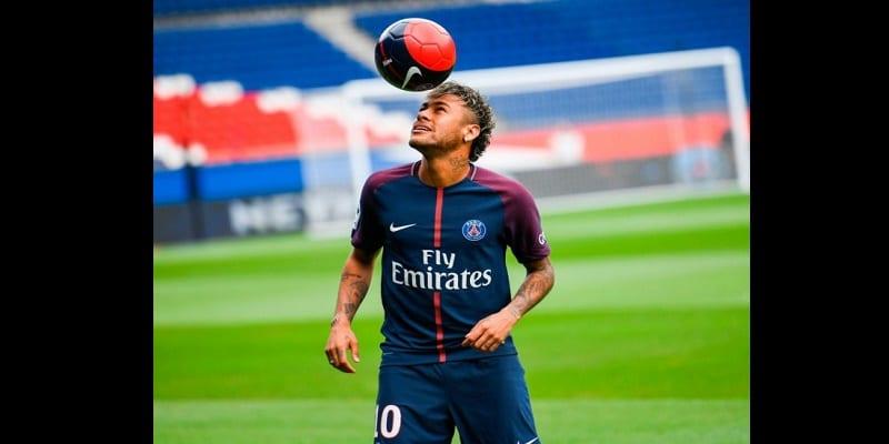 Photo de PSG: Voici la présentation de Neymar au Parc des princes…vidéo