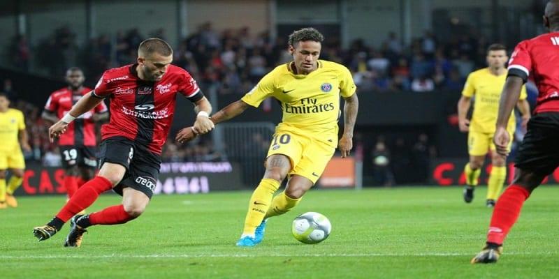 Photo de Ligue 1/ Guingamp-Psg: les Guingampais éblouis par la prestation de Neymar. Découvrez leurs réactions!