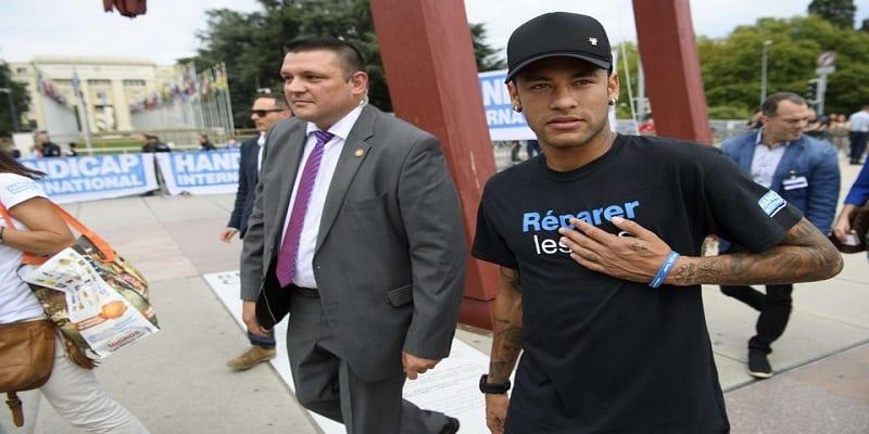Photo de FC Barcelone: Neymar contre-attaque et porte plainte à son tour