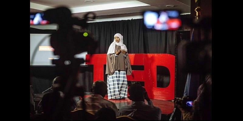 Photo de Inspiration: âgée de 18 ans, elle devient la première femme mécanicienne de la Somalie (vidéo)