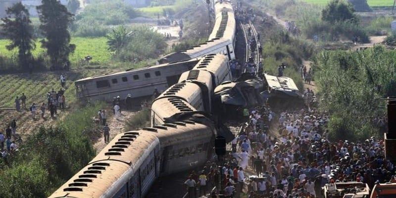 Photo de Égypte : deux trains entrent en collision, plusieurs personnes tuées (vidéo)