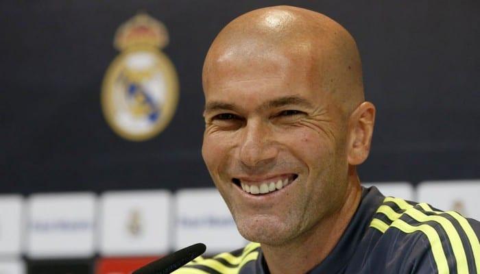 Photo de Zinedine Zidane, c'est un palmarès incroyable en 19 mois avec le Real Madrid
