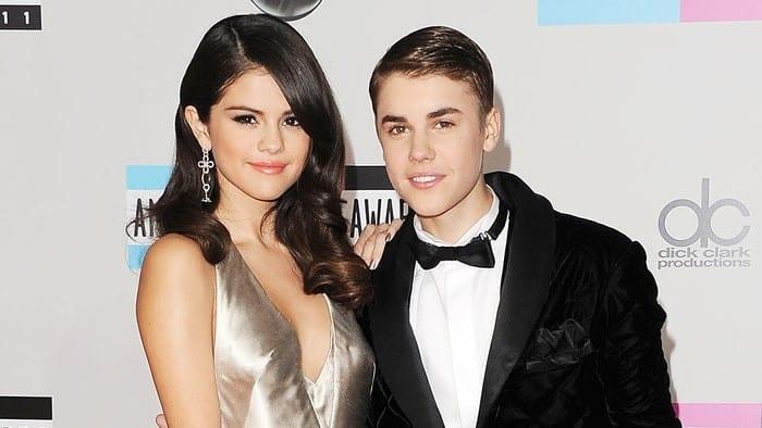 Photo de Showbiz : des photos de Justin Bieber nu publiées sur le compte de Selena Gomez. Le chanteur réagit! (photos)