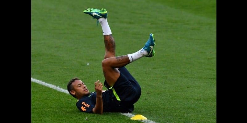 Photo de Neymar incertain contre le Bayern Munich? Unai Emery apporte des précisions