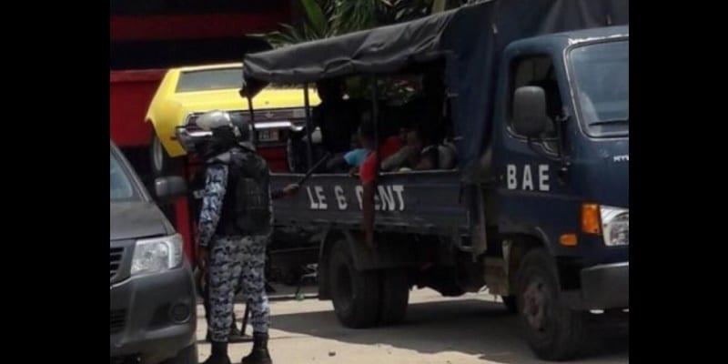 Photo de Côte d'Ivoire: Trois suspects interpellés dans l'affaire du policier égorgé par les microbes
