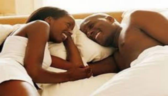 Photo de Couple: découvrez les zones érogènes les plus stimulantes chez l'homme!
