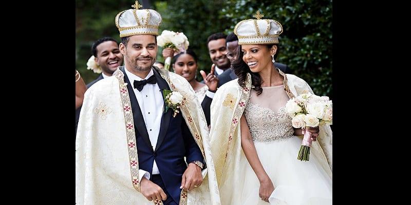 Photo de Une Afro-américaine épouse un prince rencontré dans une discothèque
