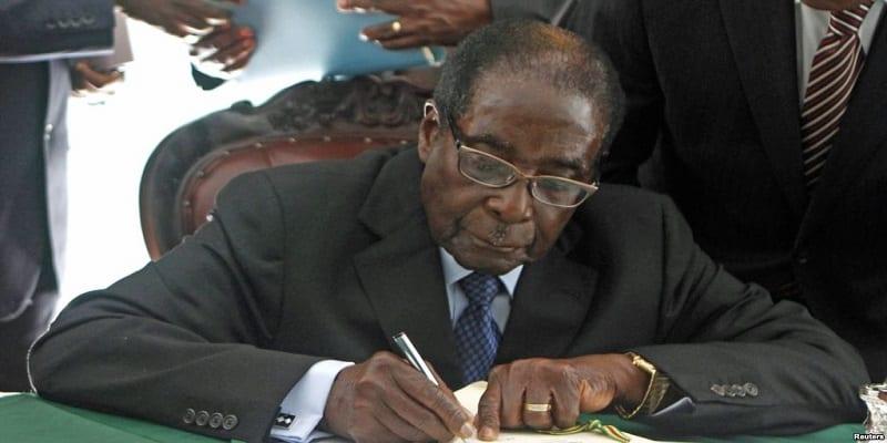 Photo de Zimbabwe: Mugabe a rédigé sa lettre de démission, annonce CNN
