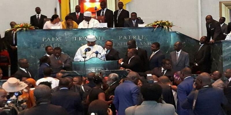 Photo de Cameroun: Les députés SDF arrachent le micro des mains du 1er ministre
