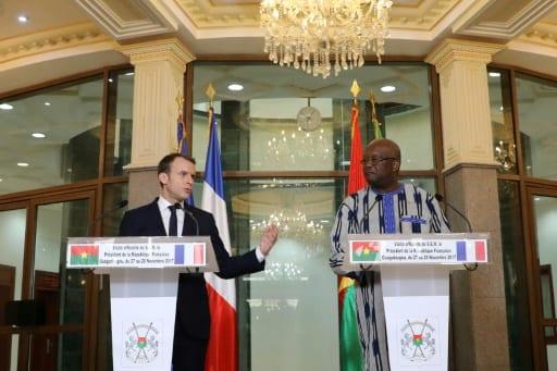 Photo de Burkina Faso : Emmanuel Macron promet de « déclassifier » le dossier Sankara