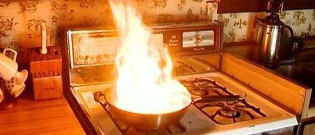 Photo de Cuisine : Quelques astuces pour éteindre le feu en cuisine