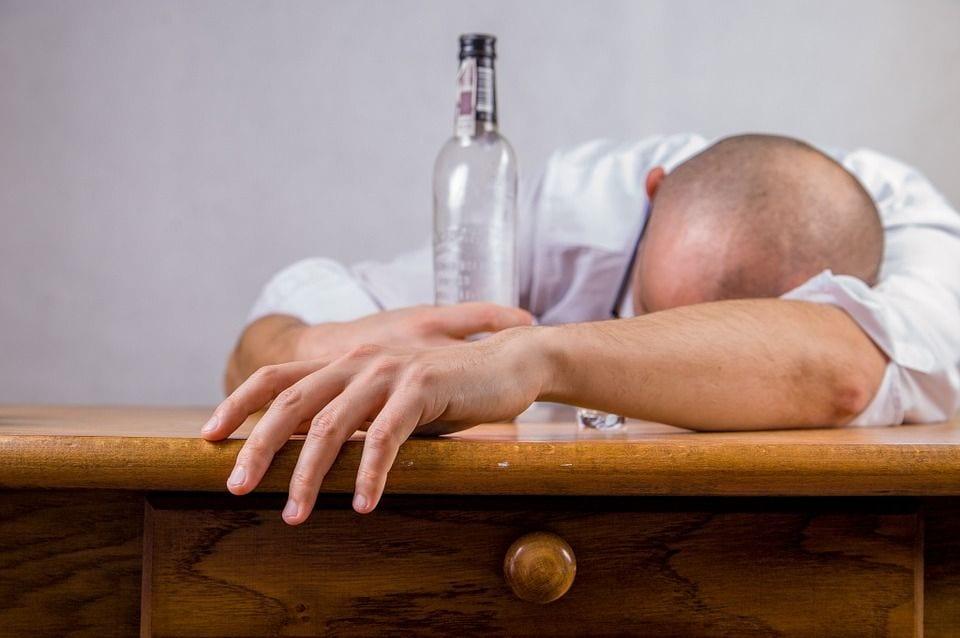 Photo de Santé : Découvrez les conséquences de l'alcool sur la peau!