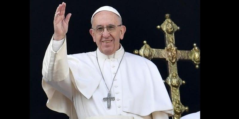 """Photo de Le pape François appelle à un changement dans """"La prière du Seigneur"""""""