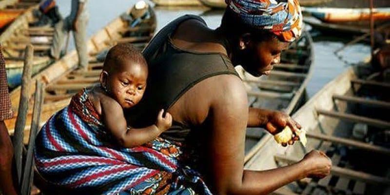 Photo de Une Africaine donne une leçon d'amour aux femmes européennes (Vidéo)