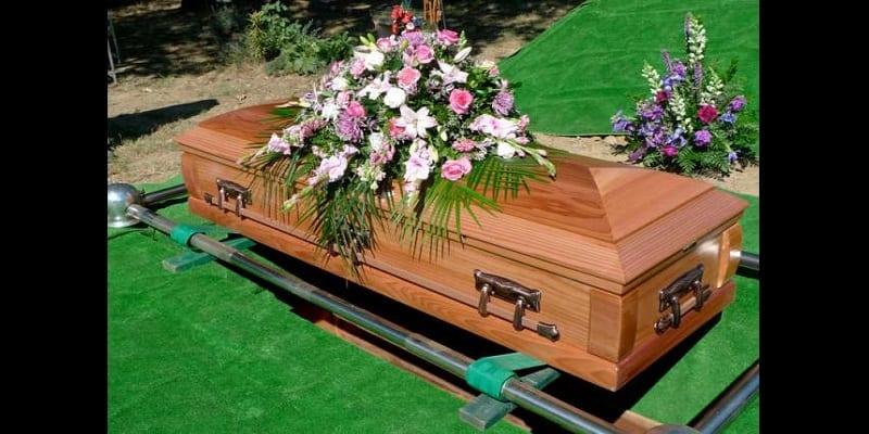 Photo de Insolite: une femme morte «donne naissance» à un bébé mort-né dans son cercueil