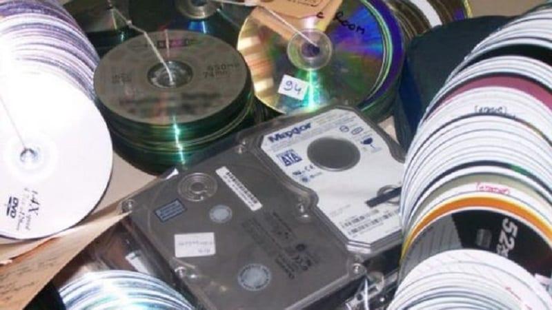 Photo de Sénégal: La gendarmerie saisit près de 10.000 CD de contrefaçon