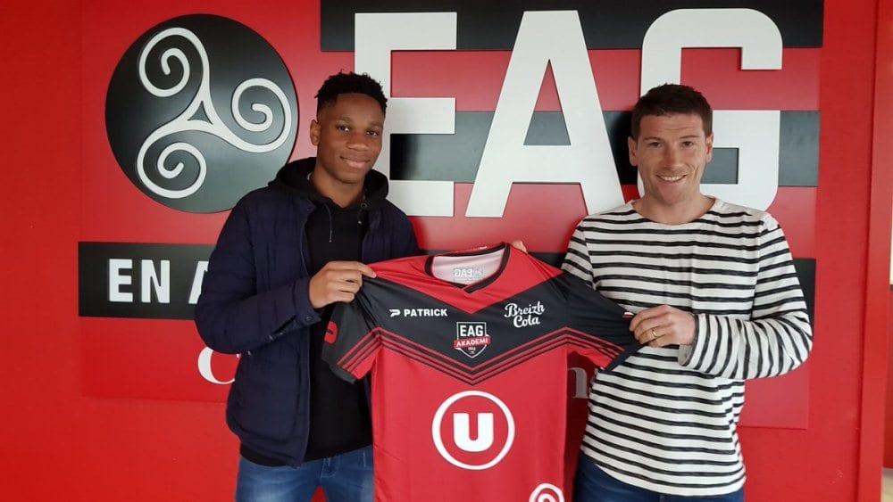 Photo de Football: Le fils de Didier Drogba signe avec l'ancien club de son père
