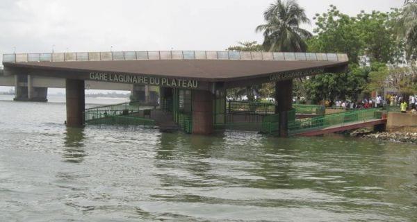 Photo de Côte d'Ivoire/Transport : La gare lagunaire SOTRA du Plateau s'effondre!