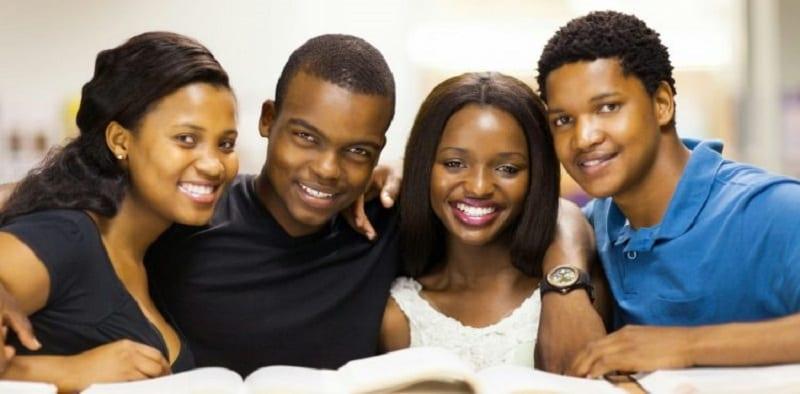 Photo de Santé/Révélation : 1 jeune sur 5 croit que le VIH peut se transmettre par cette voie