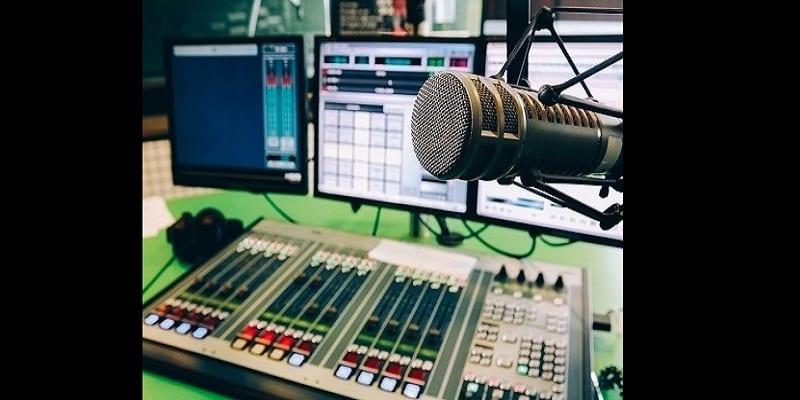 """Photo de Ouganda: 23 stations de radio fermées pour """"promotion de la sorcellerie"""""""