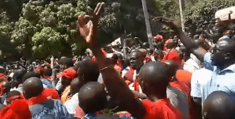Photo de Sénégal : La police réprime les enseignants à Ziguinchor -Vidéo