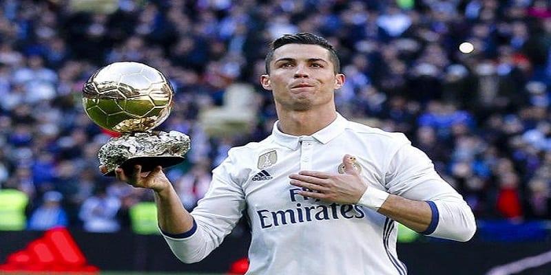 Photo de FIFA 18: Une simulation présente les 11 prochains Ballon d'Or