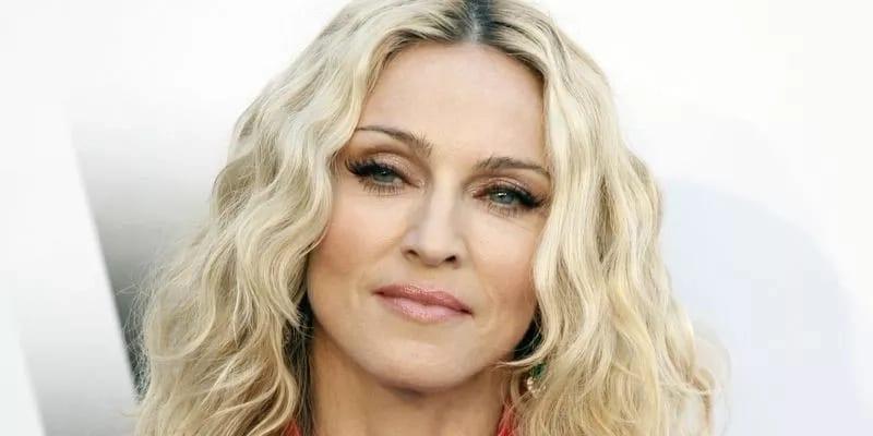 """Photo de La chanteuse Madonna se sent """"violée"""" par une publication d'un média"""