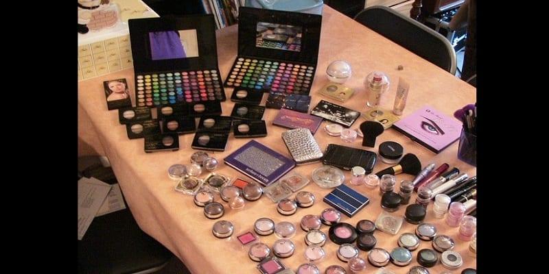 Photo de Astuce beauté: Mesdames, voici exactement quand vous devriez jeter votre maquillage
