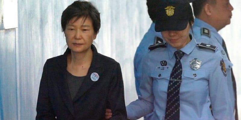 Photo de Corée du Sud: L'ancienne présidente condamnée à 24 ans de prison