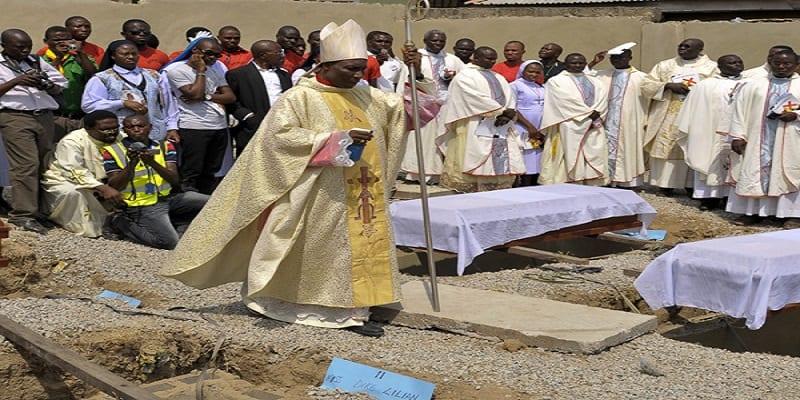 Photo de Nigeria: Des catholiques se rassemblent dans les rues. Les raisons