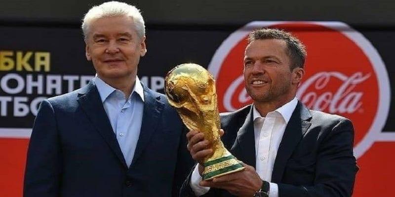 Photo de Coupe du monde: Le trophée arrive enfin à Moscou