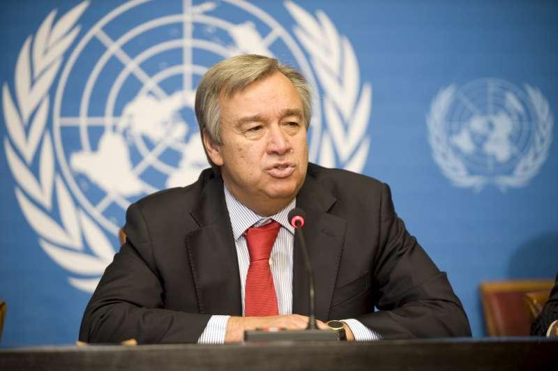 Photo de Monde : L'ONU appelle à bannir les produits en plastique à usage unique
