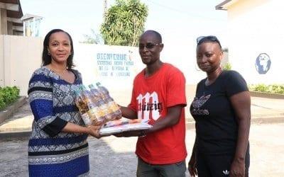 Photo de Côte d'Ivoire : La fondation Voodoo apporte son appui aux victimes des inondations