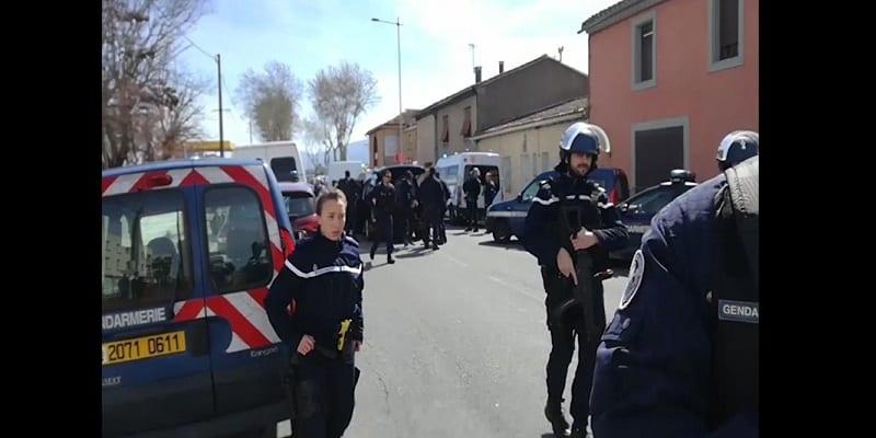Photo de France: Une femme agresse au cutter plusieurs personnes en criant «Allahou Akbar»