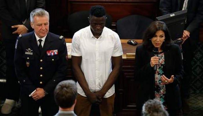 Photo de France: Mamoudou Gassama reçoit une nouvelle distinction