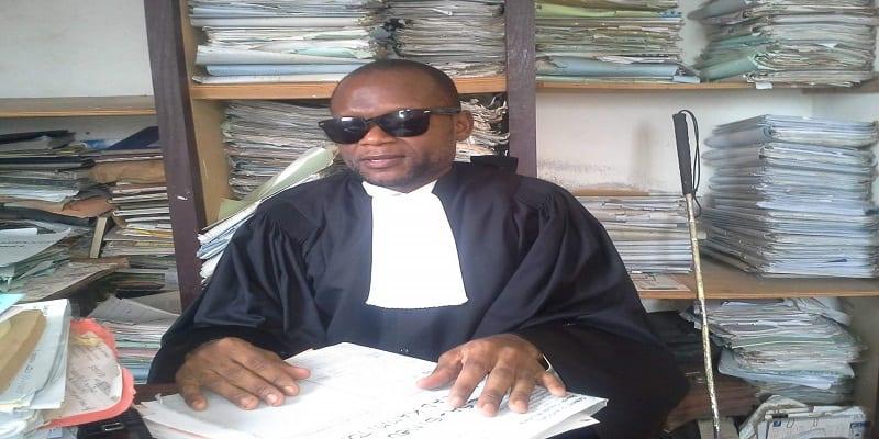 Photo de Cameroun: Le premier avocat non-voyant