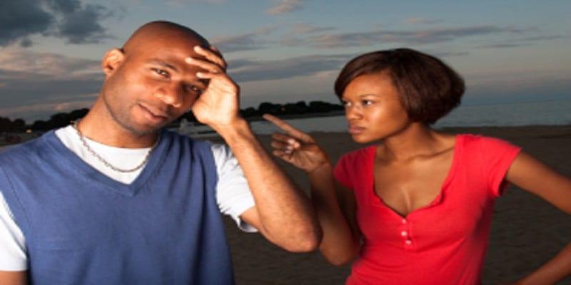 Photo de Messieurs voici 5 façons de punir votre petite amie si elle se conduit mal