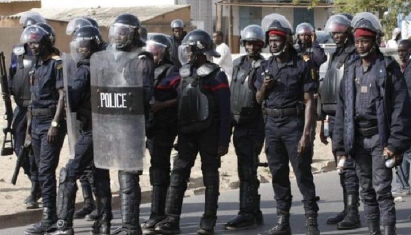Photo de Sénégal: Un vigile se fait passer pour un policier et tente de violer une femme